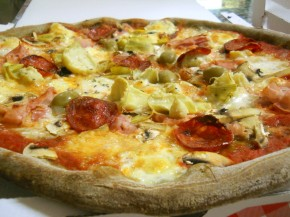 pizza alla canapa sativa