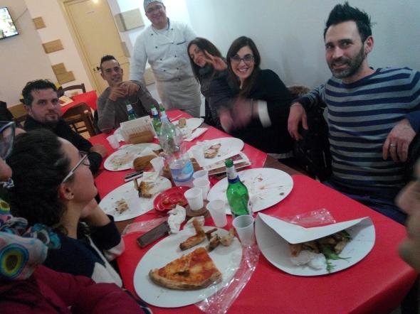 Amici in pizzeria